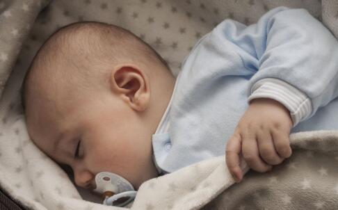 新生儿黄疸怎么退的快 如何消除新生儿黄疸