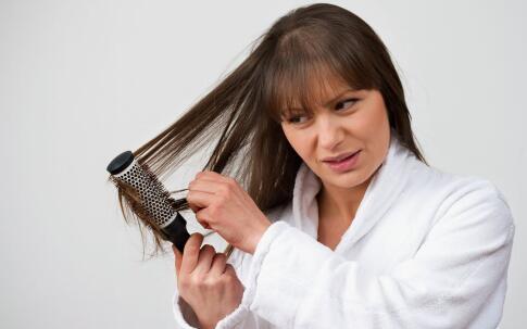 脱发是什么原因引起的 脱发的原因
