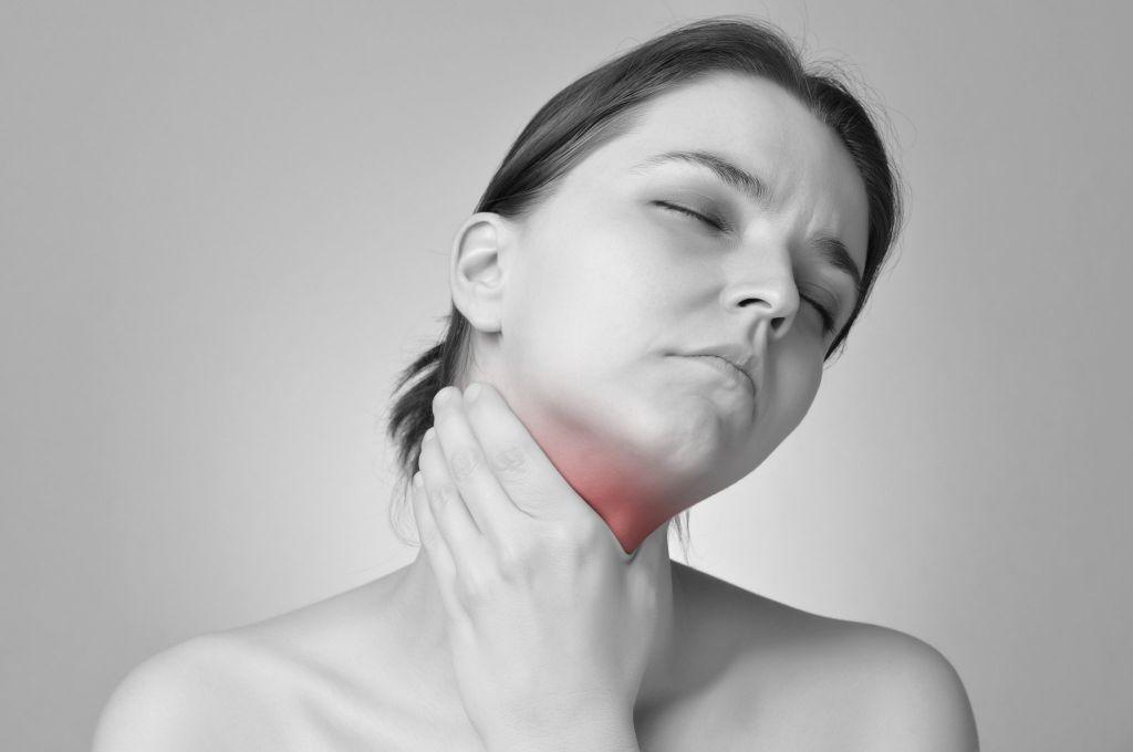 扁桃体发炎了怎么治 急性扁桃体炎有什么表现