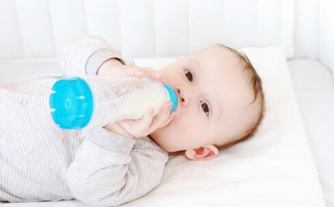 宝宝消化不良腹泻怎么办 宝宝腹泻的治疗