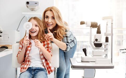 角膜炎的类型有哪些 角膜炎如何治疗