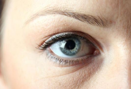 眼睛干涩是怎么回事 为什么会眼睛干涩