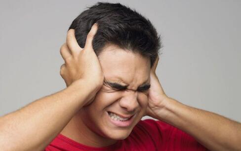 什么情况下会发生耳鸣 耳鸣会与什么病挂钩