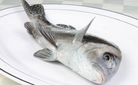 鱼刺卡喉的情况不时发生 该怎么办