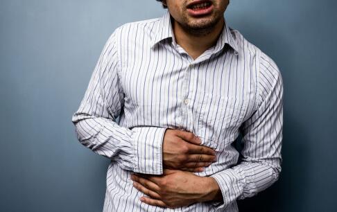 胃穿孔有什么症状 胃穿孔的早期症状