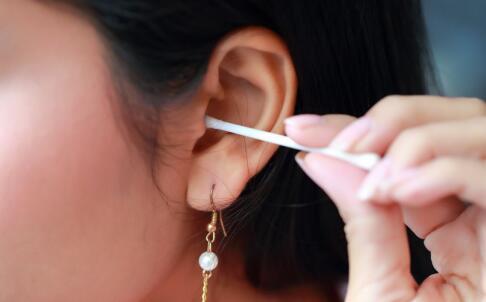 为什么会得中耳炎呢?